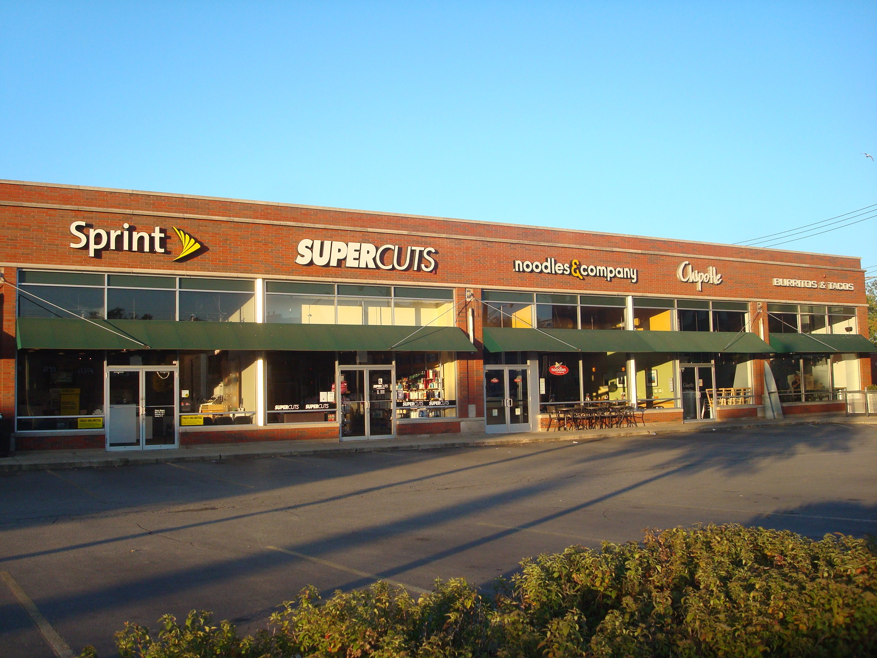 Clybourn Sprint – Chip. with parking lot